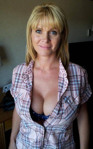 ? ? ? ?? Divorced? Older woman✦─? ? ? ?─✦ooking for?52\ | puss? ? ? ?